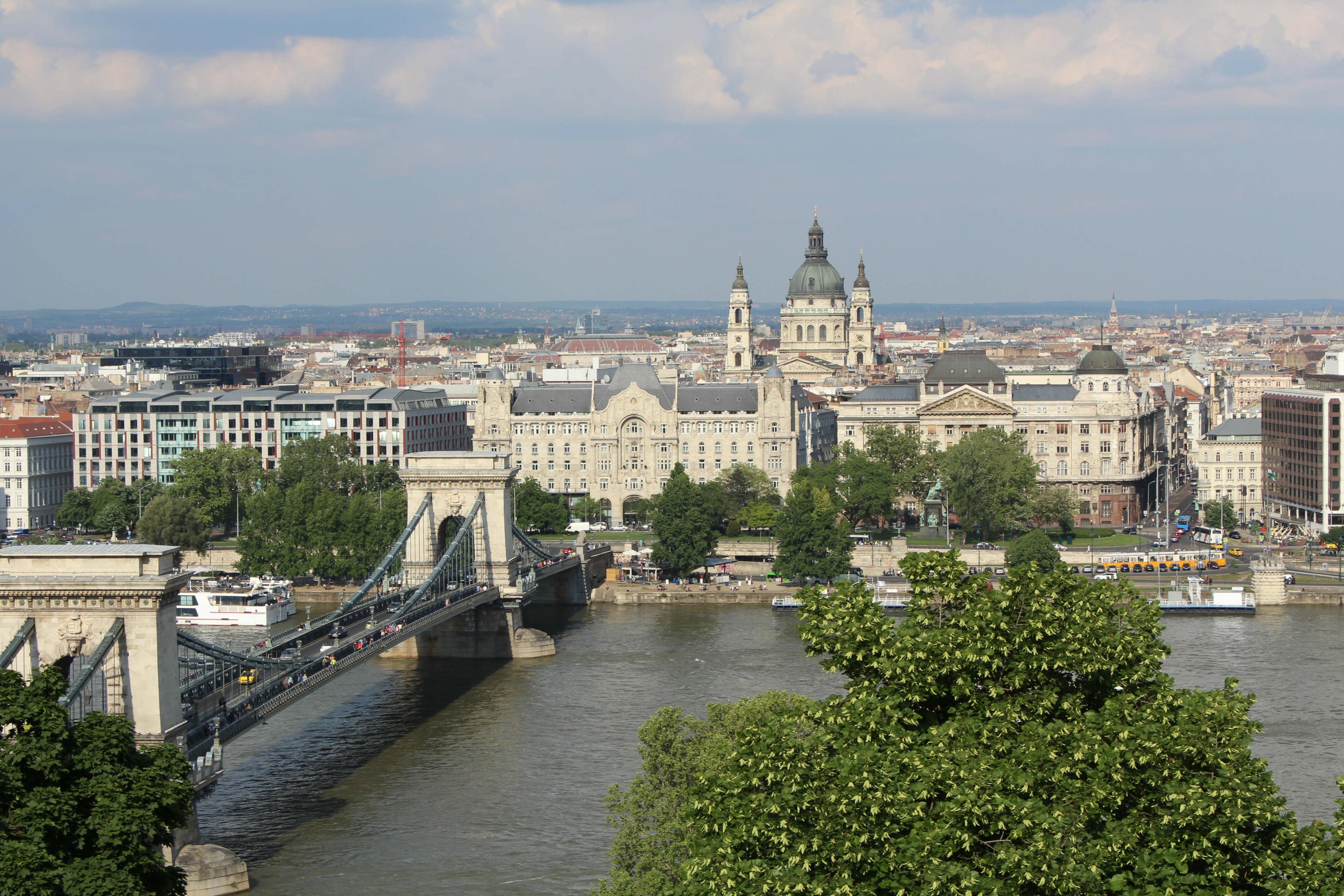 Vista de Peste desde o castelo de Buda
