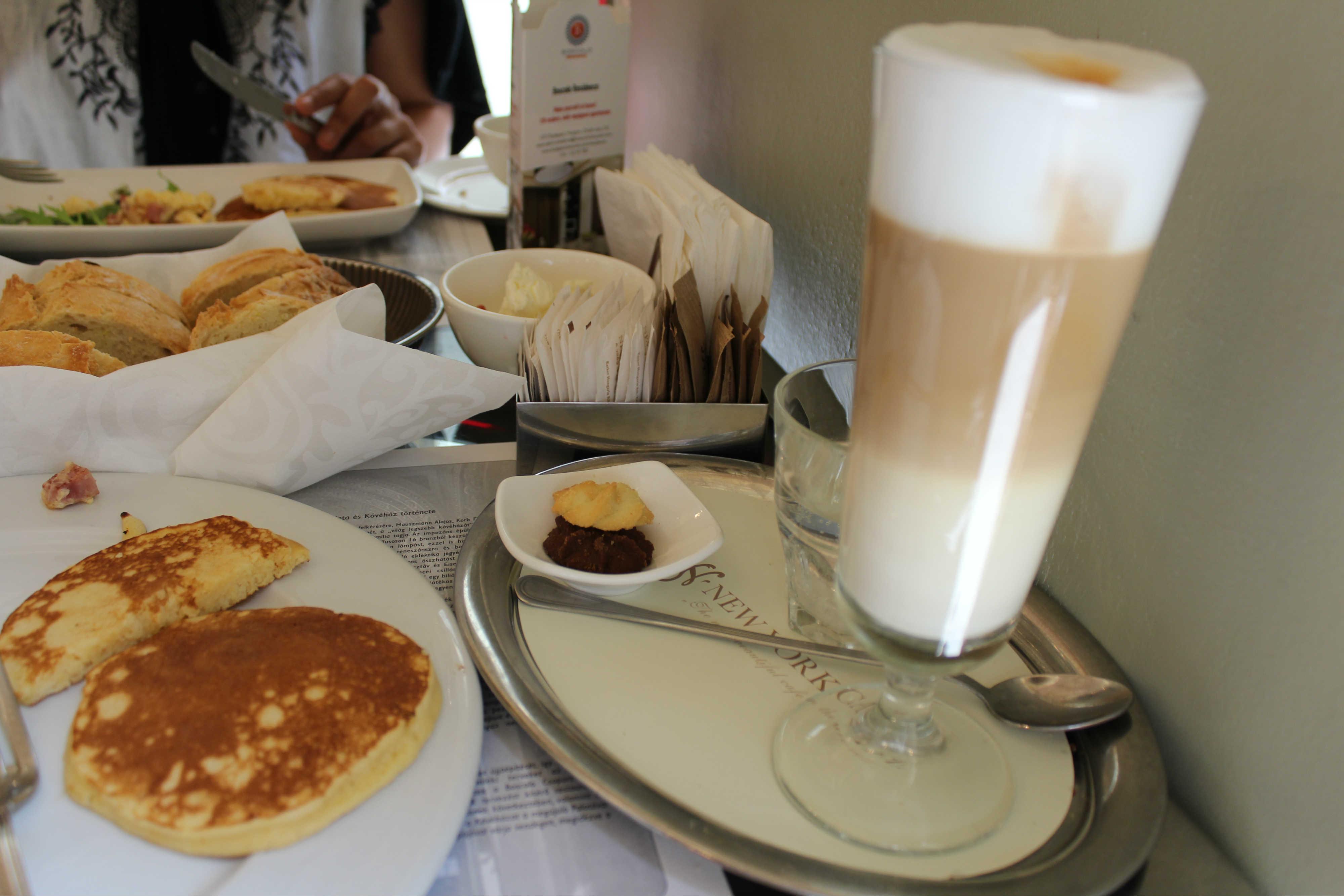 Café New York - Olha esse café com leite!