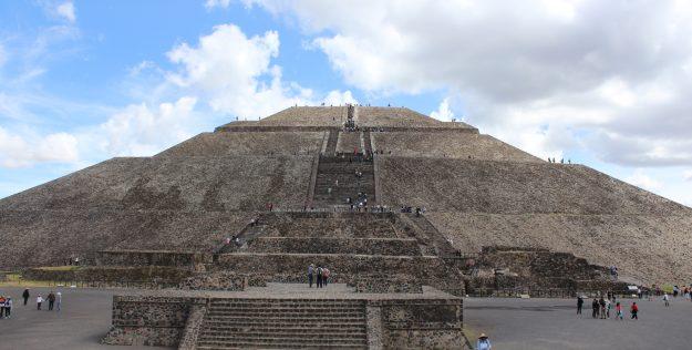 Teotihuacan e  Nossa Senhora de Guadalupe no México